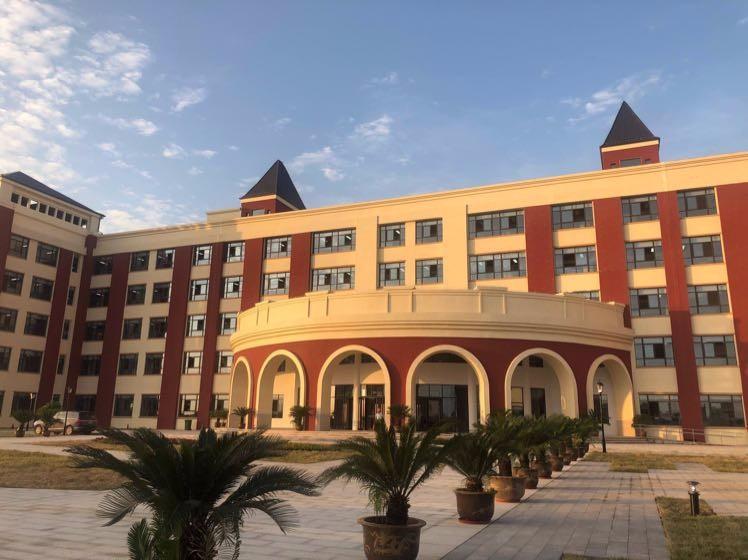 学校图片1.jpg
